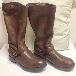 Frye Veronica Slouch (4 Boys but fit 6.5-7 Women)